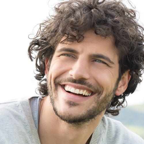 Medical Instinct® Lächeln mit schönen Zähnen
