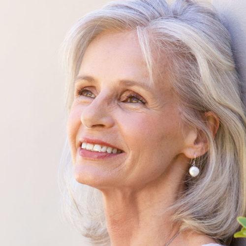 Medical Instinct® Frau mit schönen Zähnen