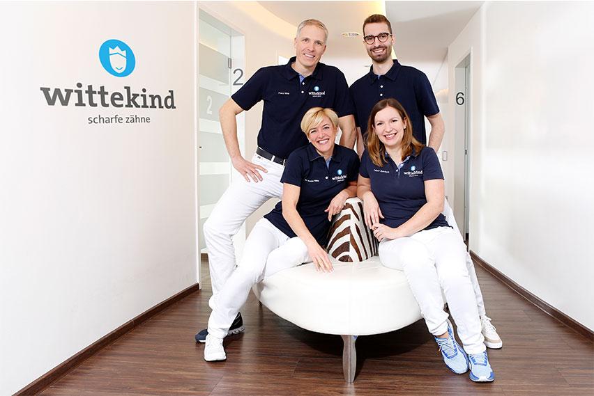 Praxis Logo Wittekind mit Zahnarzt-Team